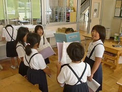 休み時間、教室での歌の練習